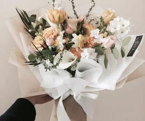 flower, flowers, and flower bouquet image