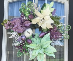 chicken wire, front door wreath, and chickenwire image