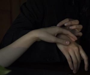 hands, aesthetic, and dark image