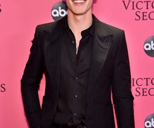 shawn mendes, Victoria's Secret, and singer image