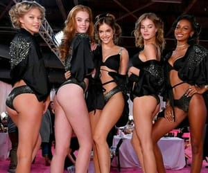 models and barbara palvin image