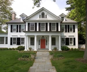 colonial house image