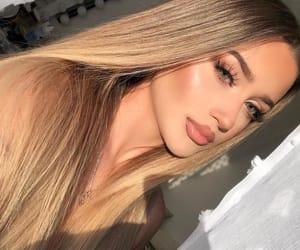 beuty, face, and makeup image