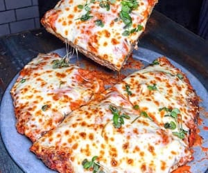 food, miam, and pizza image