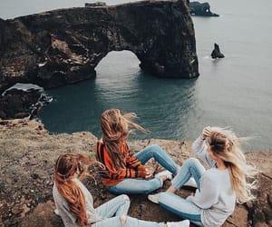 voyage, amies, and elles image