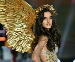 model and blanca padilla image