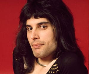 Queen, 70s, and Freddie Mercury image