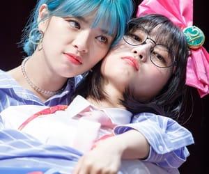 momo, twice, and jeongyeon image