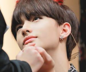 asian, hwang hyunjin, and beauty image