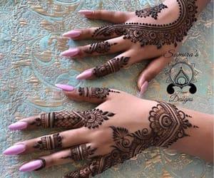 henna, ﻛﻴﻮﺕ, and mehndi image