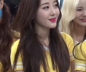 kpop, yves, and sooyoung image