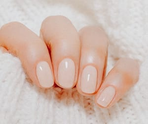 Nude, nails, and esmaltes image