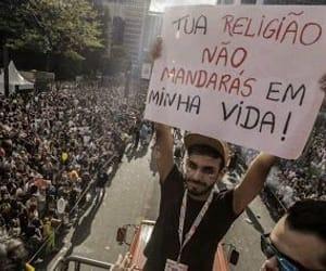 religiao, lgbtq, and protesto image