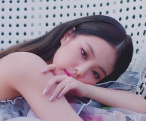 blackpink, jennie, and solo image