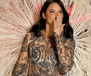 Adriana Lima, fashion show, and kiss image