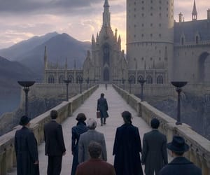 hogwarts and fantastic beasts image
