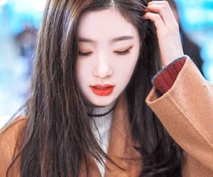 DIA, chaeyeon, and jung chaeyeon image