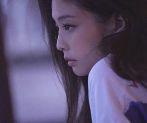 solo, blinks, and jennie image