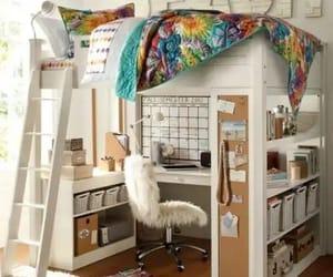 decoracion, dormitorio, and rincon con encanto image