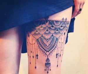 encaje, tinta negra, and tatto image