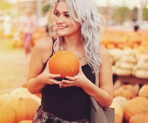 autumn, curly hair, and happy image