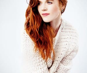actress and rose leslie image