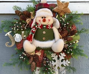 chicken wire, christmas decor, and holiday decor image