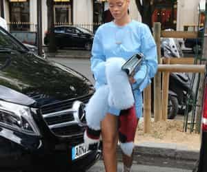 Rihanna visits the Grande Roue de Paris, at Concorde Place in Paris, France on July 29th, 2016