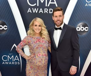 country, carrie underwood, and cma awards image