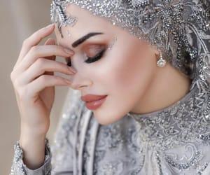 beauty, makeup, and hijâbi image
