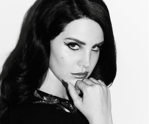 lana del rey and black and white image
