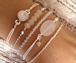 accesorios and pulseras image