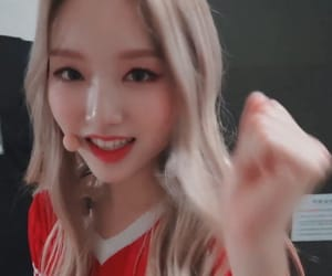 girls, loona, and gowon image
