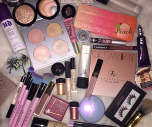 beauty, makeup, and peachy image