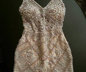 strass and vestido image