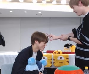 lee jeno, nct, and chenle image