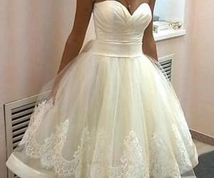 wedding dress vintage, wedding dress for cheap, and wedding dress plus size image