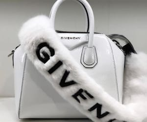 I 100% need this Givenchy bag and strap🤑🤑🤑
