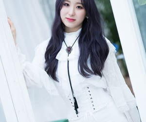 k-pop, kpop, and chaeyeon image