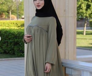 modesty, chechenka, and hijab image