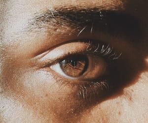 eye and theme image