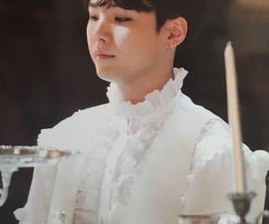 fashion, white, and yoongi image