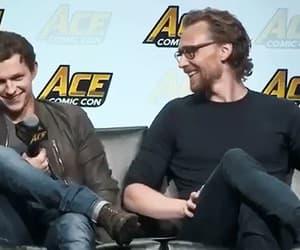 comic con, tom hiddleston, and gif image