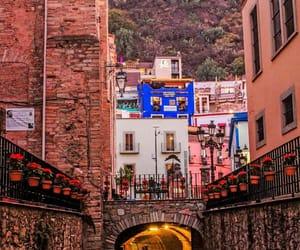 guanajuato, alleyways, and sunset image