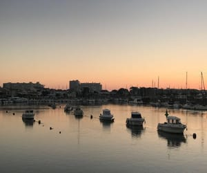 bateau, coucher de soleil, and mer image