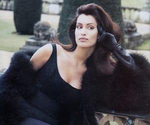 model and Yasmeen Ghauri image