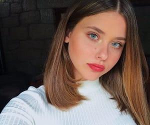 girl, pretty, and skam espana image