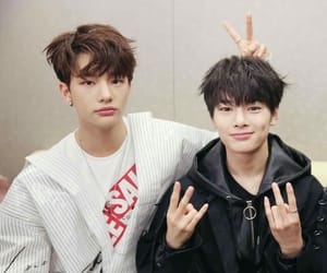 jeongin, stray kids, and hyunjin image