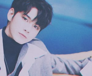 ong, 성우, and 옹성우 image