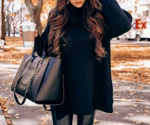 Easy, chic look you'll want to recreate this fall. Emily Gemma, Fall classic outfit. The Sweetest Thing Blog #EmilyGemma #TheSweetestThingBlog #Falloutfit #fallstyle #fashionstyle #fashionblogger #fashionista